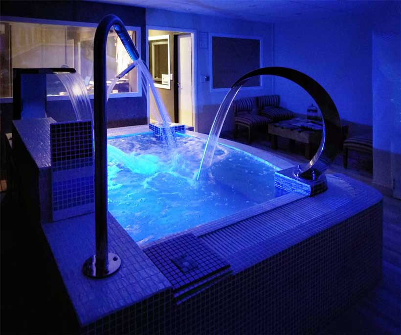 piscina spa wellness led iluminacion poolequip showroom